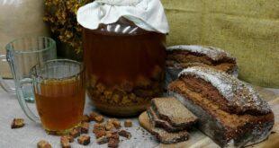 Домашний квас из ржаного хлеба без дрожжей