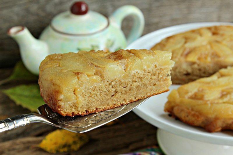 Пирог с кукурузной мукой и орехами